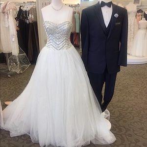 David's Bridal JEWEL Wedding Dress Crystal Bodice